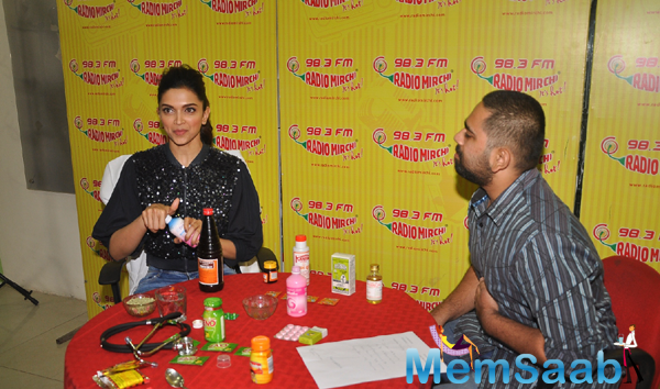 Deepika Check The Medicine's At Radio Mirchi 98.3 FM Studio Laike Piku