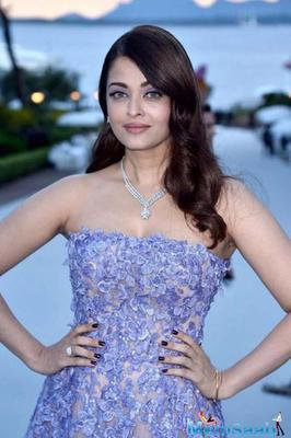 BA For International Brand, L'Oreal Paris, Aishwarya Matched Her Eye Shadow To The Hue Of Her Dreamy Gown