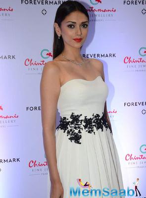 Aditi Rao Hydari Gorgeous Look During The Launch Of Forevermark's New Collection At Chintamanis