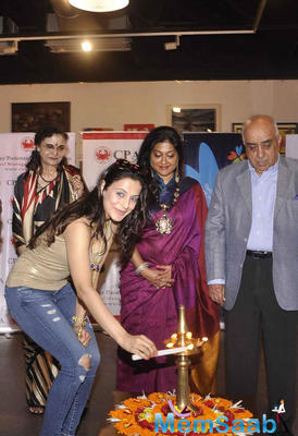 Ameesha Patel Lights The Lamp At CPAA Art Exhibition 2015