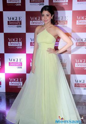 Anushka With Boyfriend Virat Kohli At Vogue Beauty Awards Red Carpet
