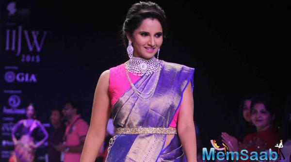 Sania Mirza Walks The Ramp At India International Jewellery Week