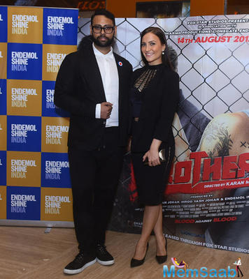 VJ Andy And Elli Avram Posed For Camera At The Special Screening Of Brothers Movie
