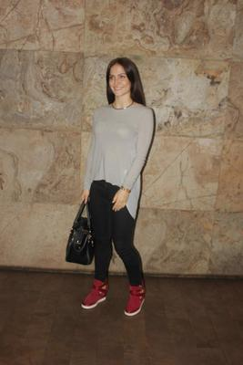 Cute Elli Avram Cool Smiling Pose During The Screening Of Hollywood Movie Transporter Refuelled