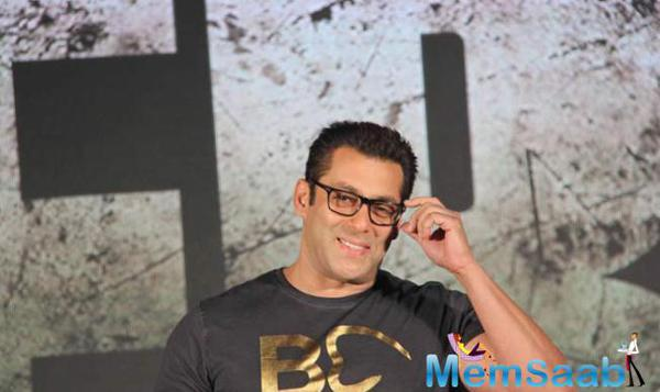 Salman Khan Sang 'Main Hoon Hero Tera' Live At 'Hero' Music Concert