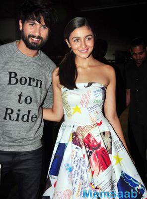 Alia And Shahid Launched Shaam Shaandaar At Mithibai College Festival