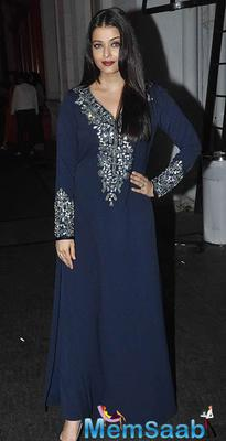 Aishwarya Rai Bachchan Dazzles At The Jazbaa Wrap Party
