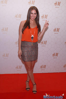 Lauren Gottlieb Flashes Smile Sizzling Look On The Red Carpet