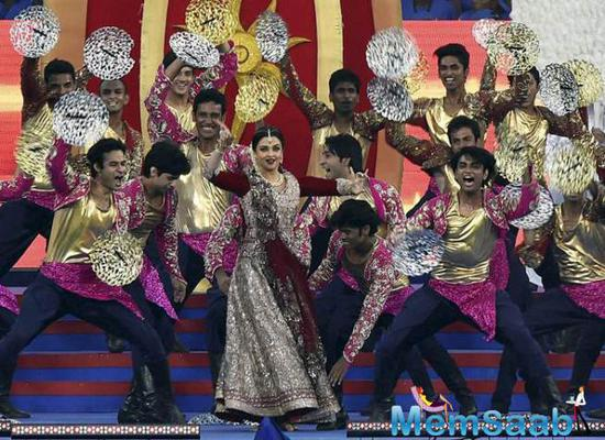 Aishwarya Rai Bachchan Performed At The Opening Ceremony Of ISL 2