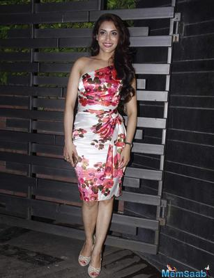 Rashmi Nigam Looked Pretty In A Floral Printed Dress With Peep Toe Heels