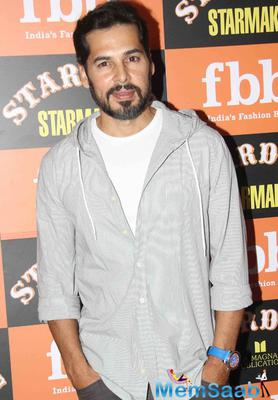 Dino Morea Cool Look For Camera During The Launch Of Stardust Starmaker