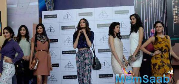 Athiya Shetty Have A Fashionable Outing