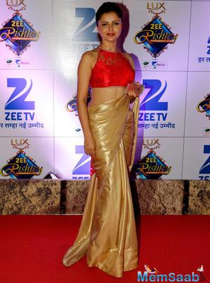 Rubina Dilaik With A Sizzling Outfit Snapped At Zee Rishtey Awards 2015
