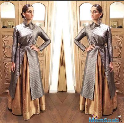 Sonam kapoor walked in the red carpet of the annual Umang police show held in Mumbai on January 19