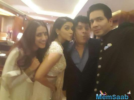 Selfie moments on wedding reception of Asin and Rahul