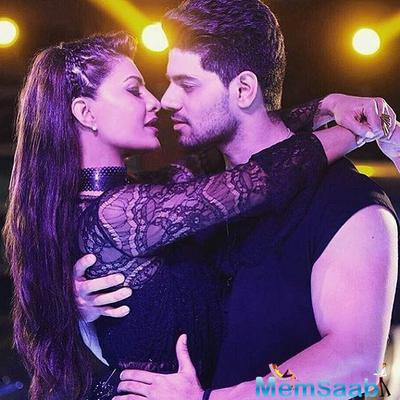 Sooraj and Jacqueline's song Girlfriend first look is out
