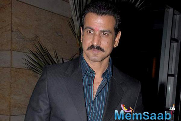 TV superstar Ronit Roy to play villain in Kaabil