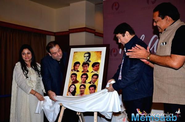 Here a pic, where Geeta Dass pose with Bollywood actors Randhir Kapoor and Rajiv Kapoor during an art exhibition in Mumbai on March 15, 2016.