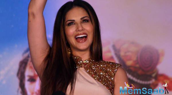 Sunny Leone is happy to have 4 Million Instagram followers