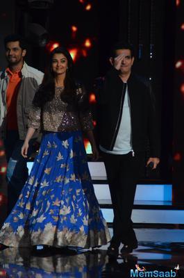 Aishwarya Rai wows audience with her dance performance at Sarbjit promo