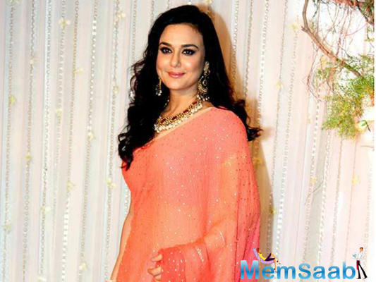 Preity Zinta visited the Taj Mahal with her family on May 12