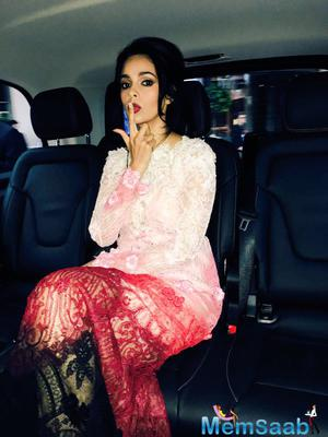 See here: Mallika Sherawat attends UNICEF dinner