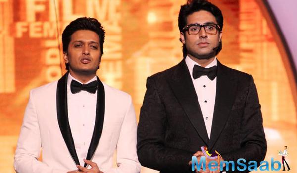 Riteish Deshmukh, who is currently working with Abhishek Bachchan in Housefull 3 said, Abhishek Bachchan has great comic timing.