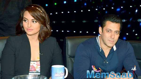 Salman Khan avoids Sonakshi Sinha at award function