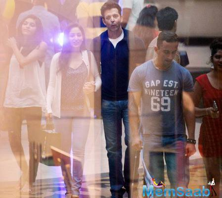 Hrithik Roshan and Yami Gautam spotted on the sets of Kaabil in Mumbai