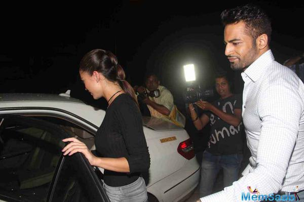 The gorgeous Amy Jackson on a dinner date with Upen Patel