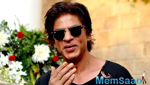 After this event, Shah Rukh threw a party for Chris Martin and his band at his bunglow, Mannat in Mumbai.