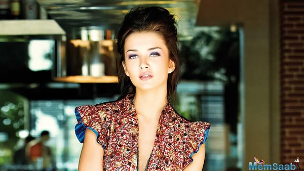 Amy Jackson yet to sign Vikas Bahl's 'Queen' southern remake