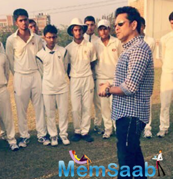 Find out! What Sachin has said to Virender Sehwag's cricket school students