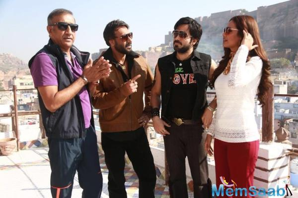 This film is the fourth collaboration of Ajay Devgn with filmmaker Milan Lutharia.