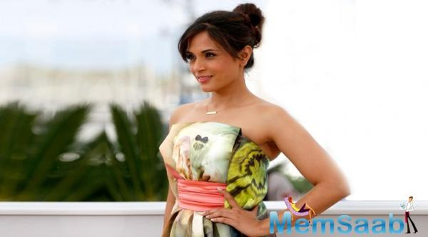 After debuting with a routine part in the comedy film Oye Lucky, now Richa Chadda has successfully made her presence felt in Bollywood with her impressive acting skills in a short duet.