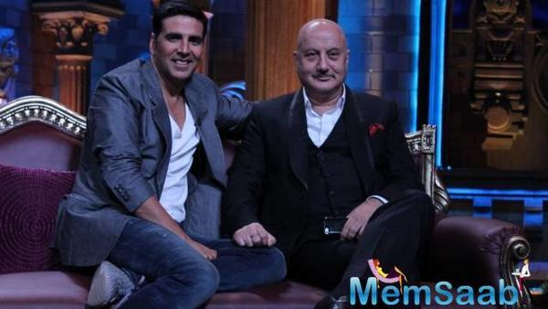 Anupam Kher has thank to Akshay for his fitter frame