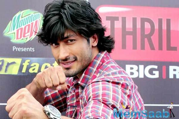 Vidyut Jammwal: Women are blessed with sixth sense, which is a key to their self-defence.