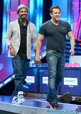 Remo D'Souza is searching a newcomer to star opposite Salman Khan in his forthcoming film