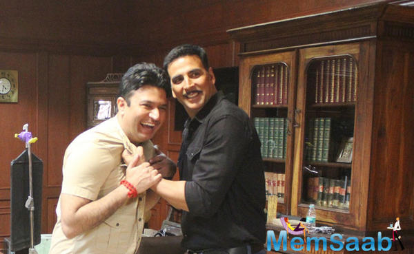 Bhushan Kumar signs his father biopic Mogul  with Akshay in a Shiva temple