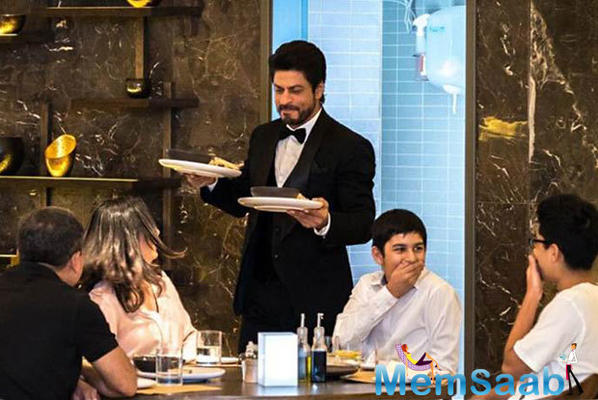 What! Shah Rukh Khan is planning to get into the chef's hat in real life?