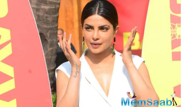 Now it's confirmed! Priyanka Chopra will sign 3 Bollywood movies after Baywatch