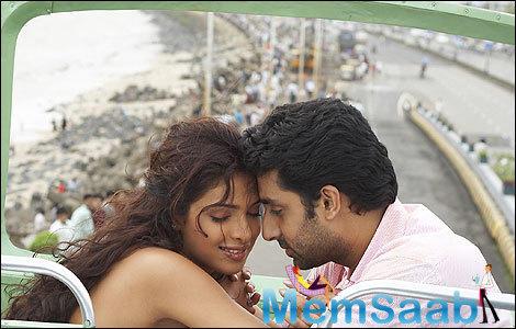 Confirmed! Priyanka and Abhishek will not cast for Sanjay Leela Bhansali's film