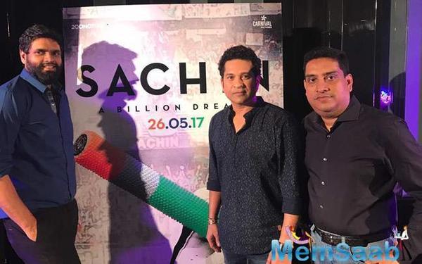 'Sachin: A Billion Dreams' will show the Master Blaster romantic side