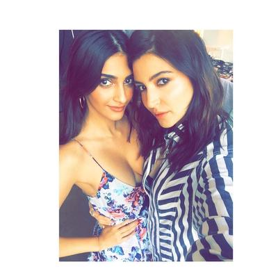 Anushka and Sonam pose for a selfie, Set temperatures soaring in New York