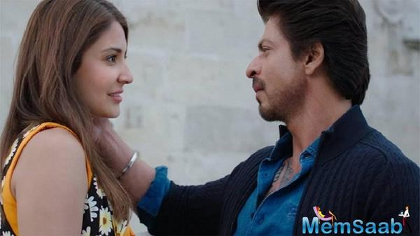 Collections of 'Jab Harry Met Sejal' at Rs 15 crore is lower than SRK's previous film 'Raees' which did Rs 20 crore on day 1.