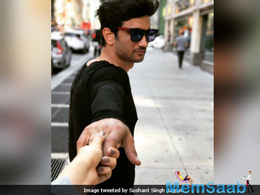 Sushant-Kriti play the social media game again
