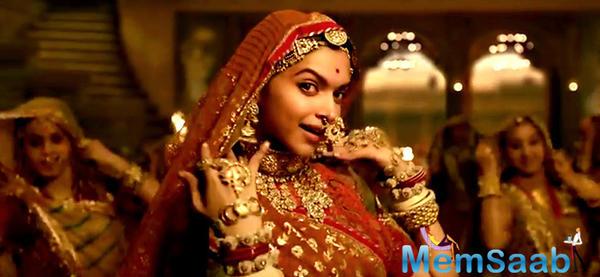 Alia Bhatt gave best compliment for Padmavati, and said Deepika as Padmavati was just so fabulous