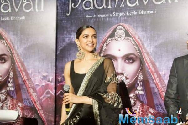 What! Ranveer Singh miffed with Deepika Padukone?