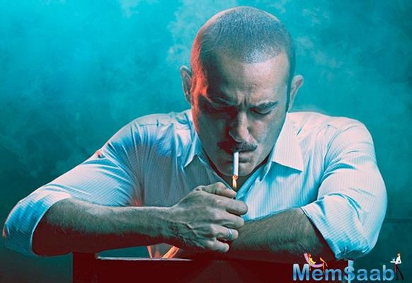 What! Akshaye Khanna in legal trouble because of Ittefaq