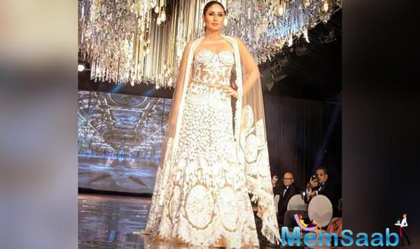 Kareena Kapoor Khan looks gorgeous as she walks the ramp for Manish Malhotra in kenya